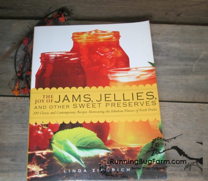 Looking for recipes that show you how to can jams, jellies & preserves without pectin, look no further.  Linda has created a stuffing full color recipe book to preserve the harvest.
